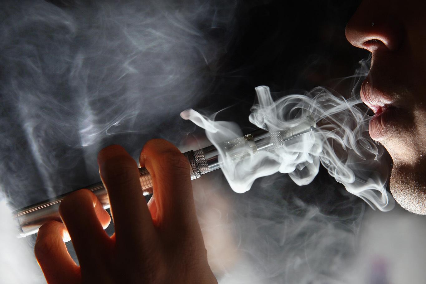 Buy cigarettes Bond in Lanzarote