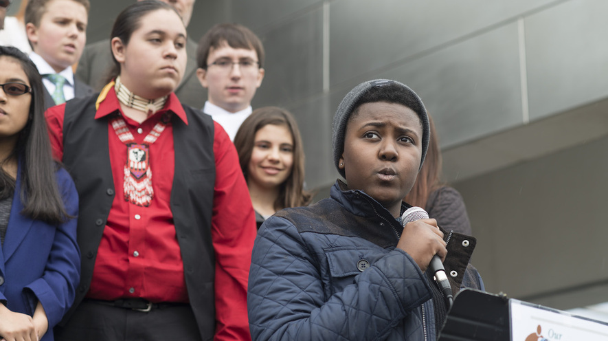 Newsela | This 18-year-old is suing the government over